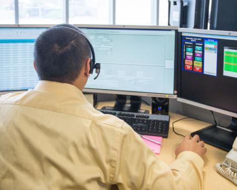 radio dispatch responder on his computer